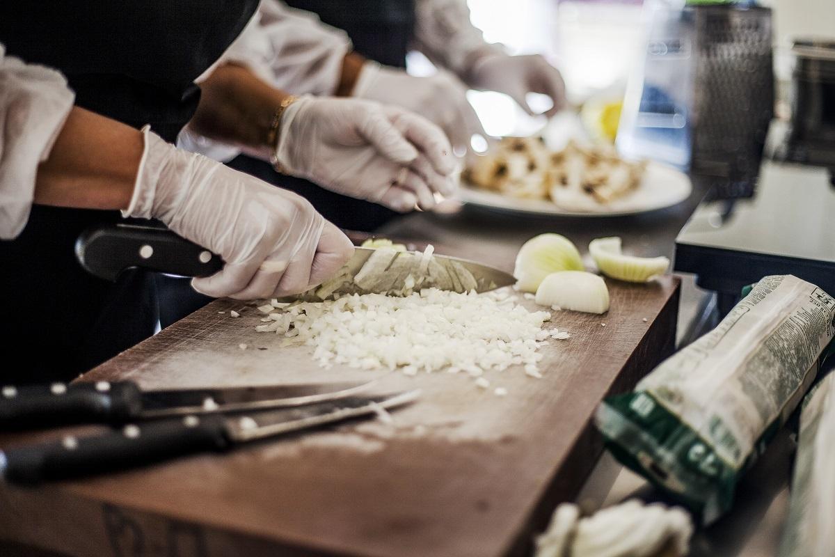Abrir e Inaugurar um Restaurante de Sucesso - Contratar Funcionários