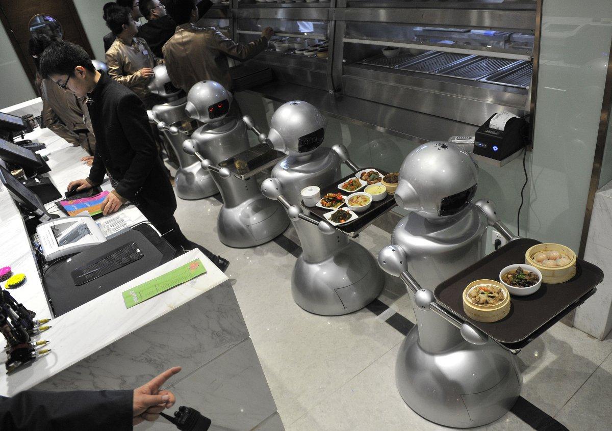 robos-restaurante-tecnologia-futuro-04