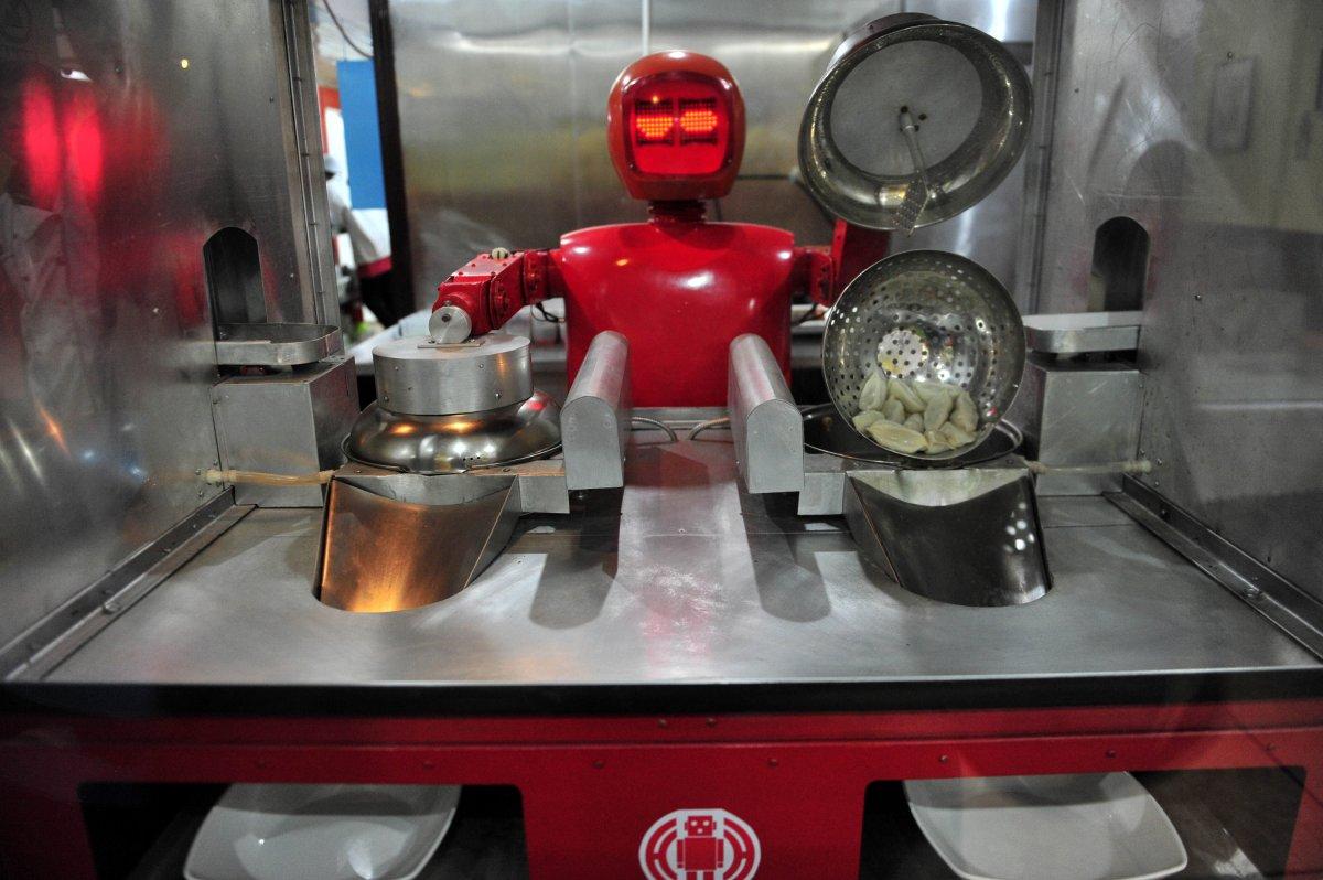 robos-restaurante-tecnologia-futuro-06