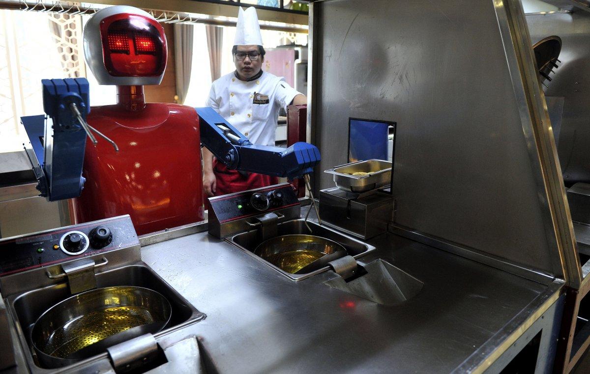 robos-restaurante-tecnologia-futuro-07