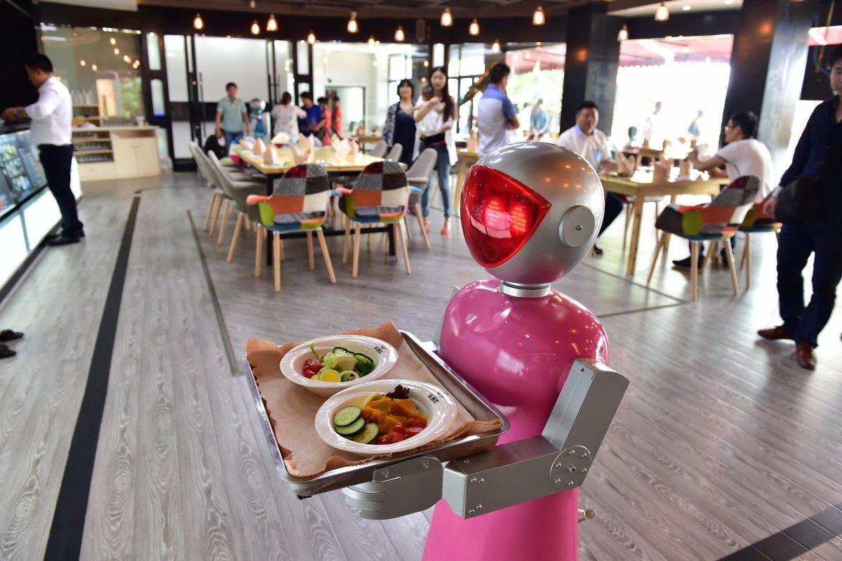robos-restaurante-tecnologia-futuro-09