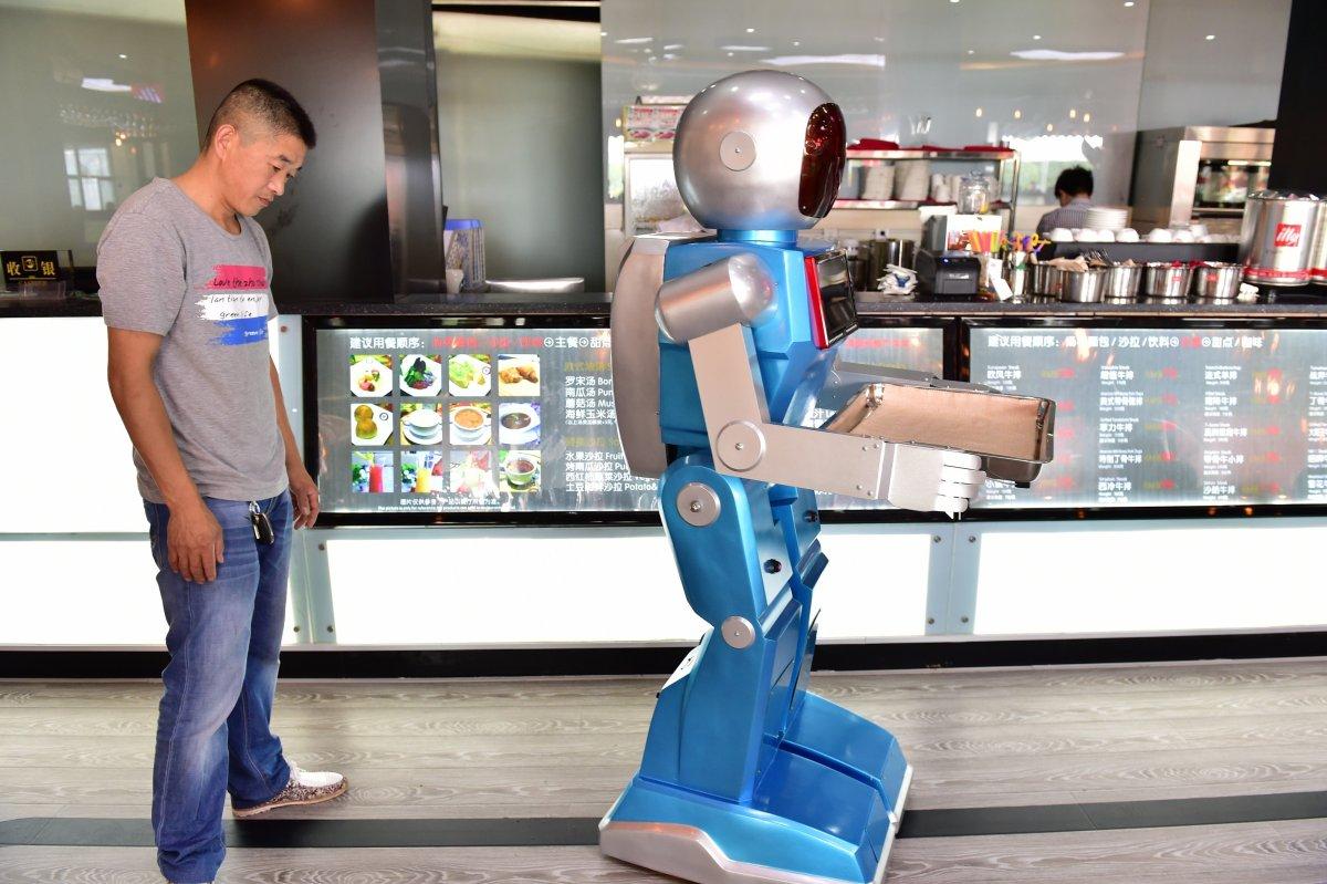 robos-restaurante-tecnologia-futuro-11