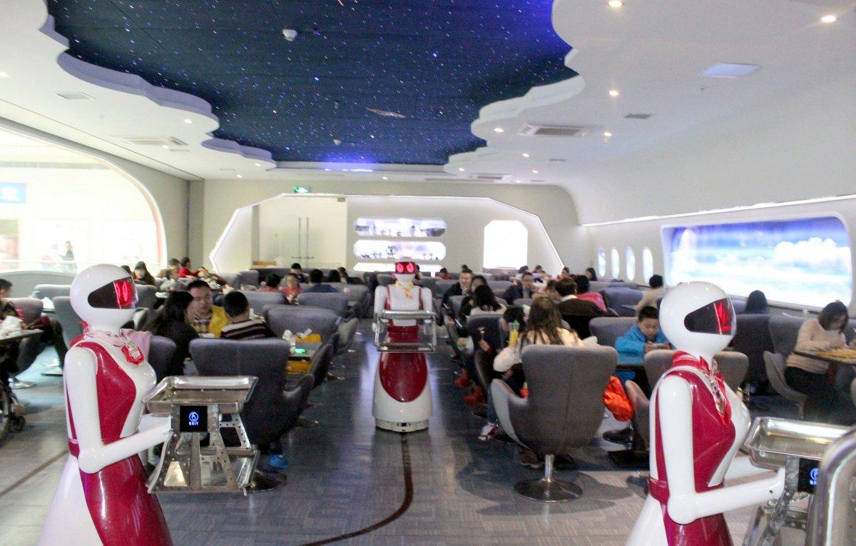 robos-restaurante-tecnologia-futuro-14