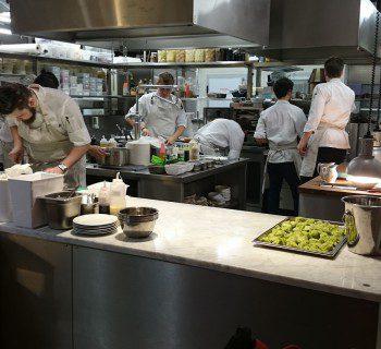 Como contratar funcionários para seu restaurante