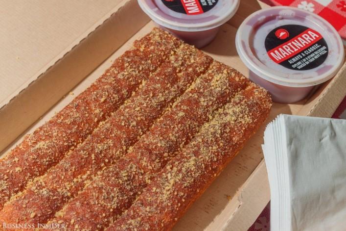 breadsticks-pizza-usa-03