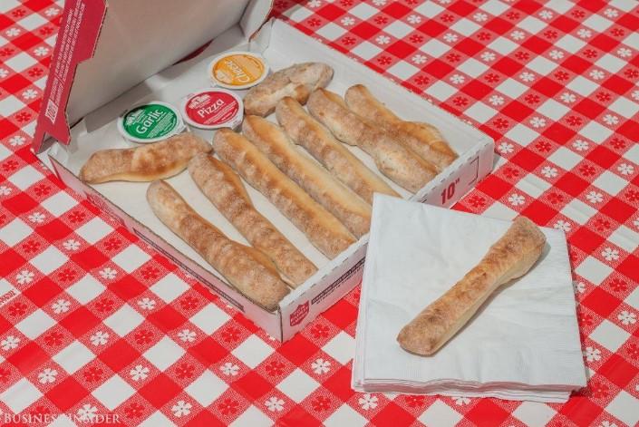 breadsticks-pizza-usa-06