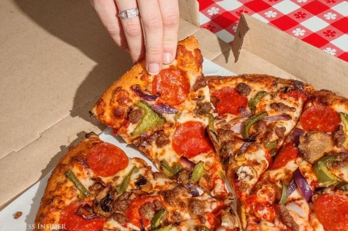 pizza-supremo-hut-02
