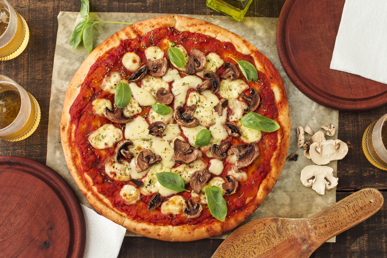 Desvendando a história da Pizza: 8 fatos sobre as redondas