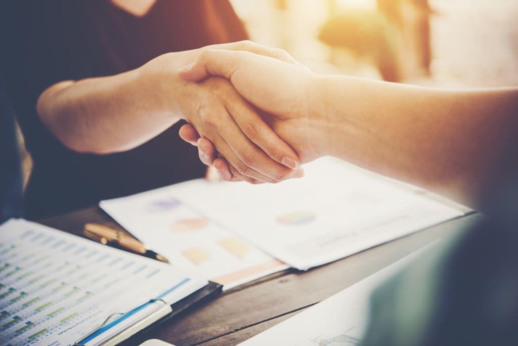como contratar entregador acordo freelancers